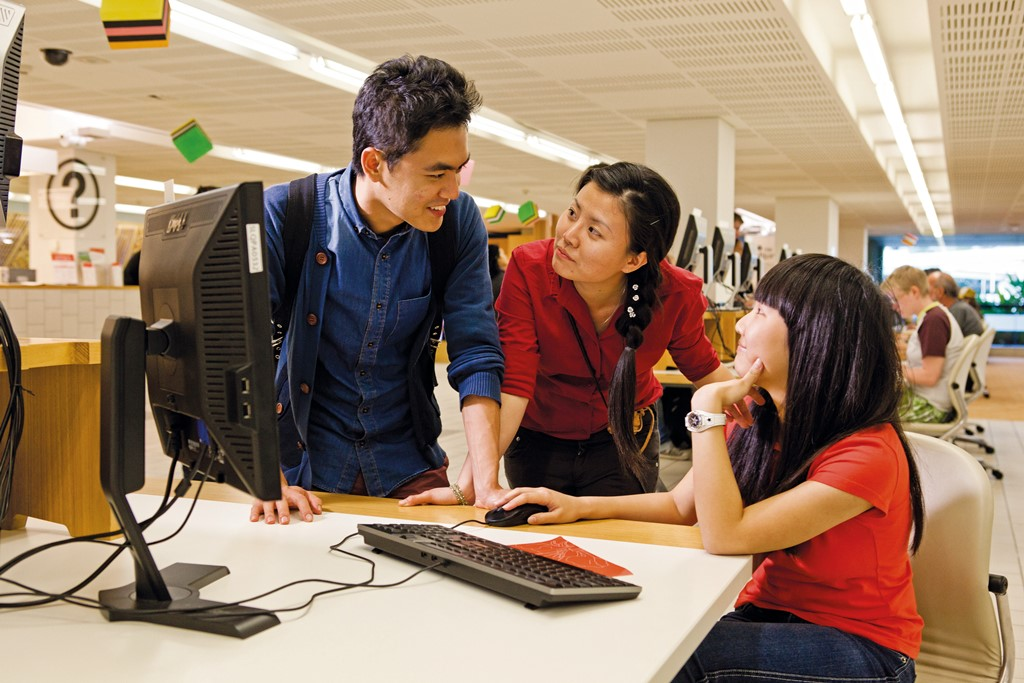 <p>ホームステイツアー、オーストラリア</p> <p>18歳以上の学生・成人対象 オーストラリア|1~3か月</p> <p>このツアーは、すでに特定の分野で働いていて、かつこれからスキルアップしていきたいプロフェッショナルの方にピッタリのコースです。自身が選択した分野において知識及びより高い技術を習得することが可能です。また英語の能力も伸ばしたい!という方には、英語特訓コースを選ぶことが出来ます。CTAは、世界中にいる「もっと勉強したい!さらにスキルアップしたい!」という方たちに適した教材を自信をもって提供しています。</p>