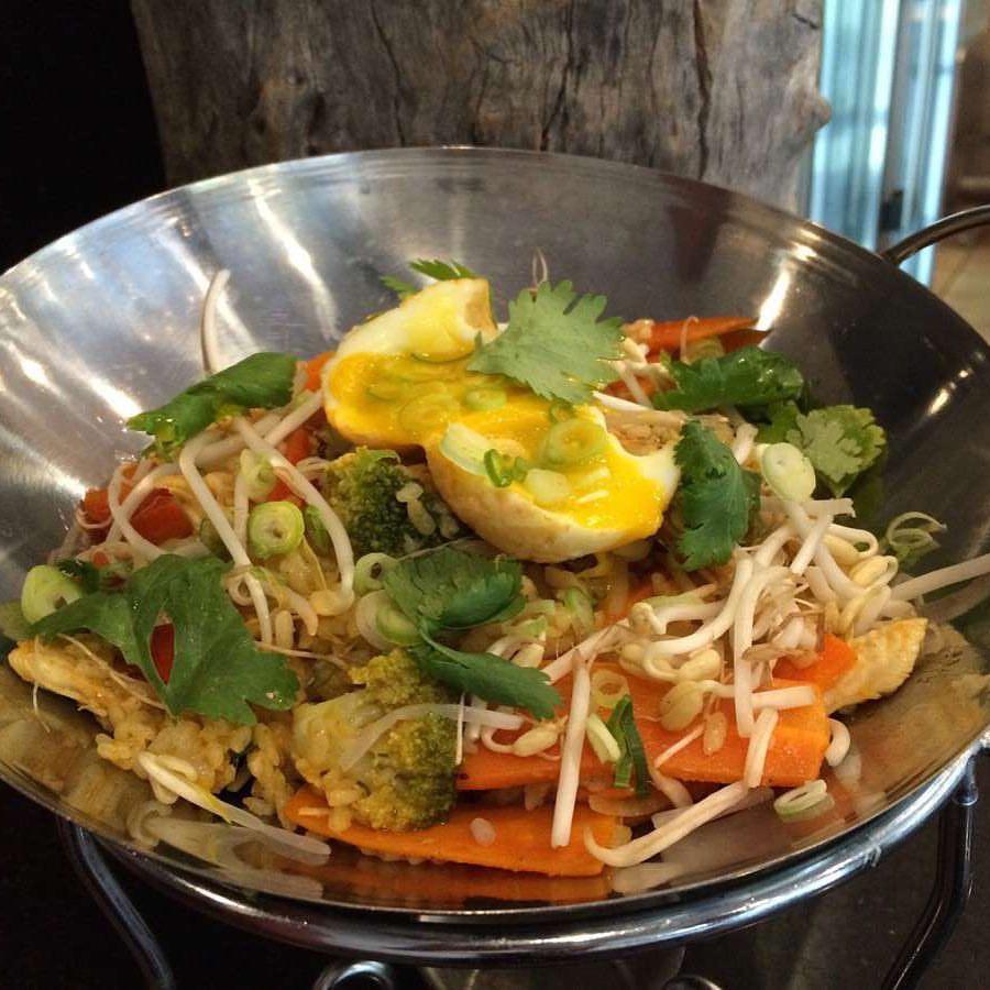 <p>ガッツリ食べたい方にオススメ 野菜がいっぱい入ったナシゴレン</p>