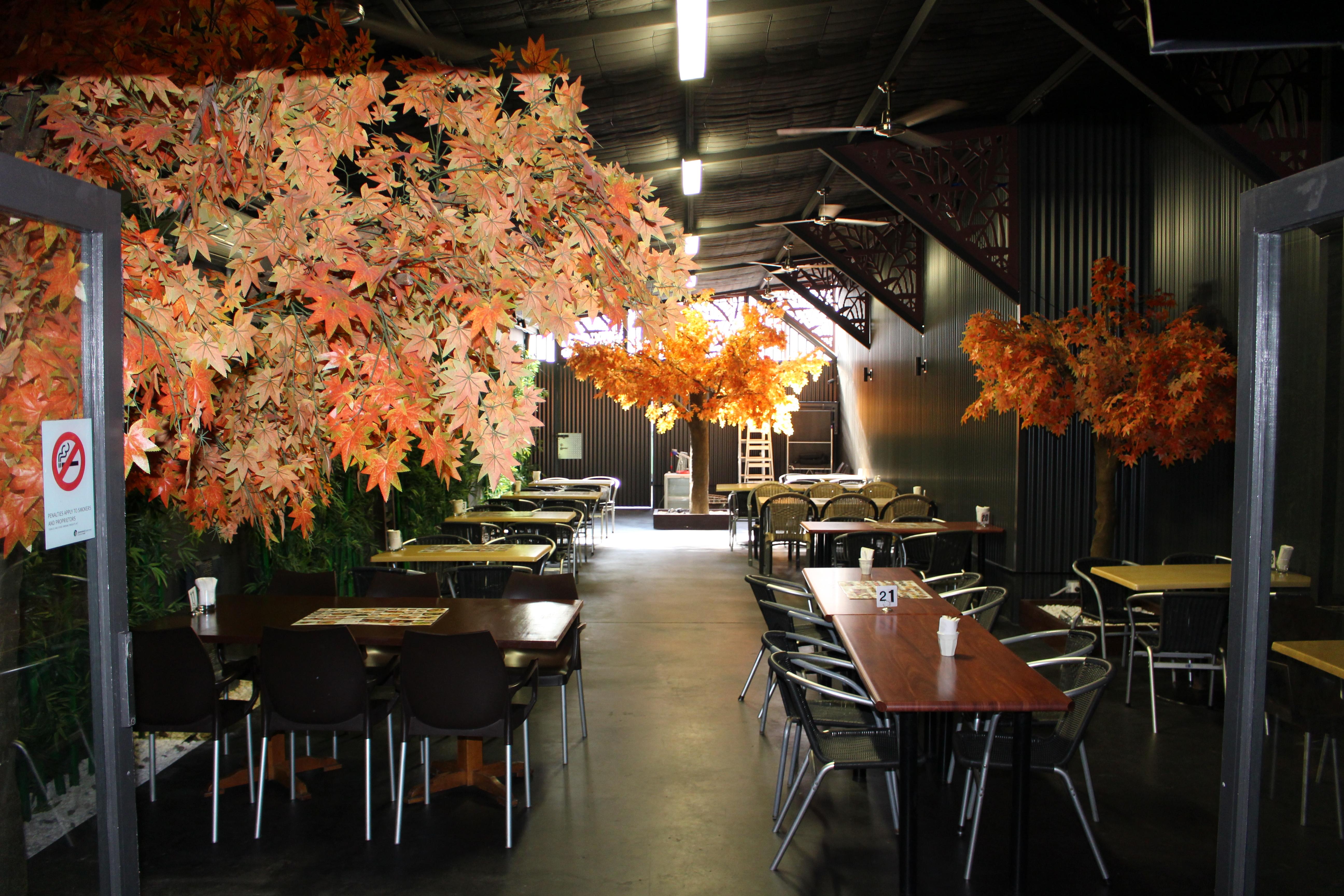 <p>店内奥には広いスペースが、貸切パーティーなどにもオススメ!</p>