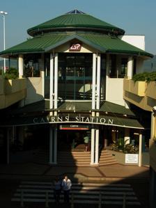 <p>ケアンズセントラルショッピングセンターに併設されているケアンズ駅。</p>