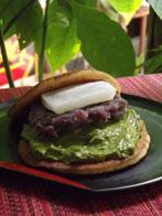 """<p>● HAYABUSA ‐日本の甘味処- まさか、ここで""""どら焼き""""や""""団子""""が食べれるとは思いもしないでしょう! 世界遺産キュランダのマイナスイオンたっぷりの中、食後のデザートにぴったり。</p>"""