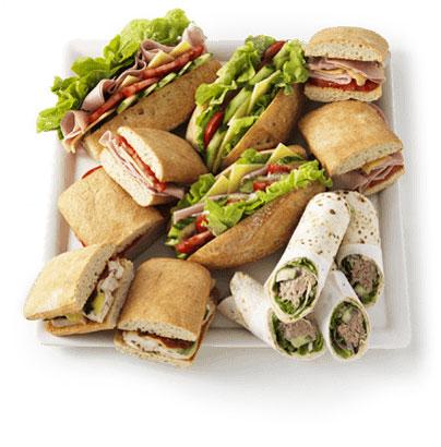 <p>ミートパイの他にも、チキン&マシュルームパイ、 ステーキ&チーズパイ、タンドリーベジタブルパイ、タイチキンカレーパイなど種類も豊富。 パイのは他には、手作り新鮮サンドウィッチやラップもありますよ。</p>