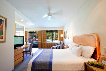 <p>お部屋はホテルタイプと、ヴィラタイプがあり、どちらも広々としたお部屋で、 センスのよいインテリアが光ります。</p>