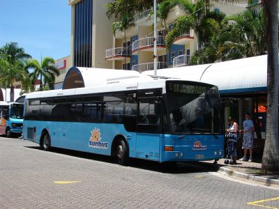 ケアンズでバスに乗ろう。