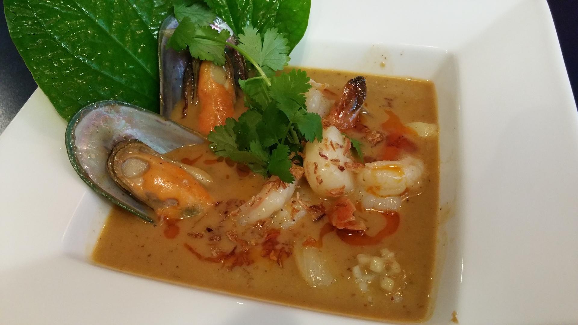 <p>世界で最も美味な料理ランキングで1位に選ばれたこともあるという『Mussaman Curry-Seafood』</p> <p>&nbsp;</p>