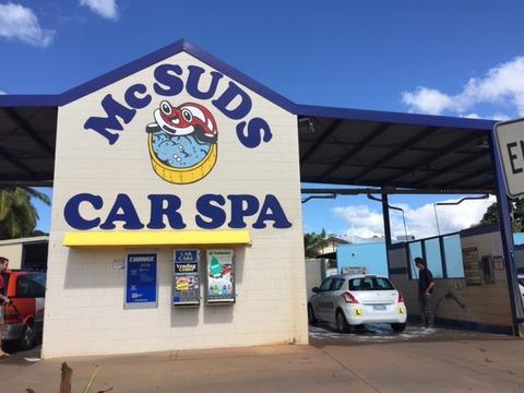 ケアンズで洗車しよう。