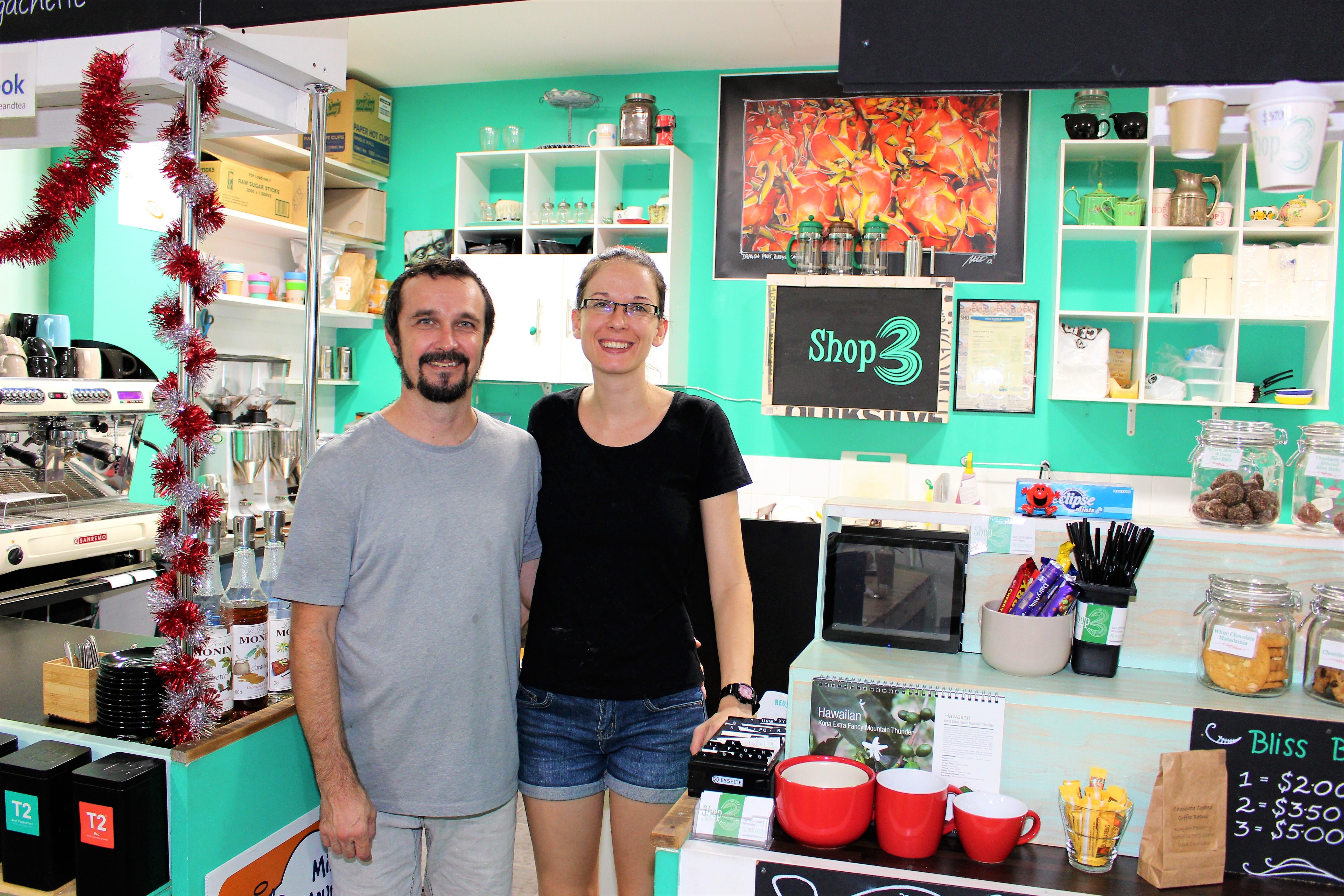 <p>SHOP3のオーナー夫婦、ChrisさんとSonjaさん</p>