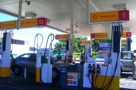 オーストラリアでガソリンを入れよう。