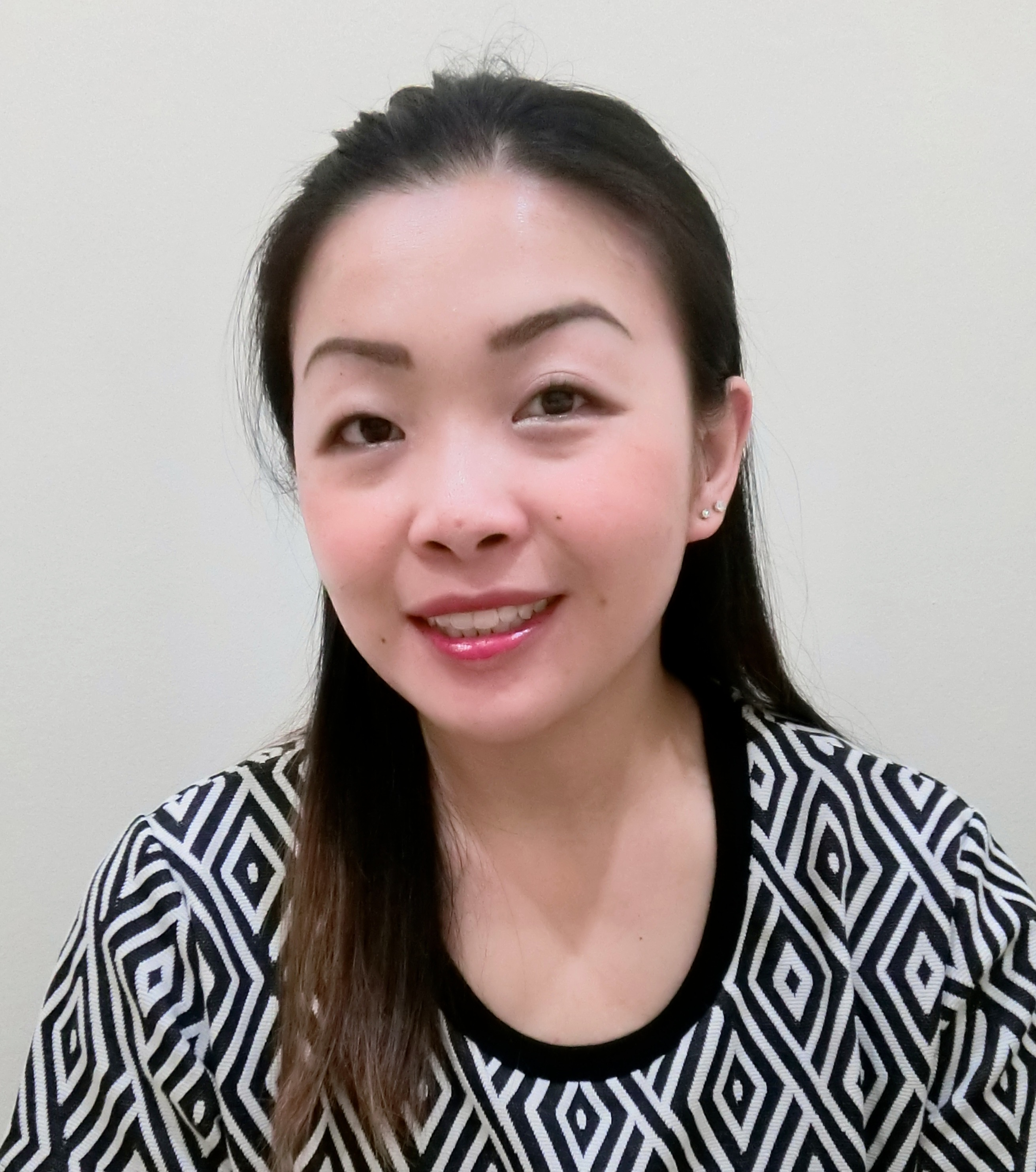 Dr Phoebe Hong /ドクター フィービー・ホン