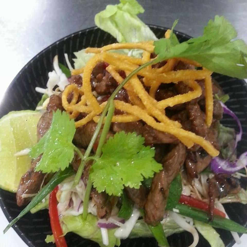 <p>ヘルシーなThai-style-Beef-Salad</p>