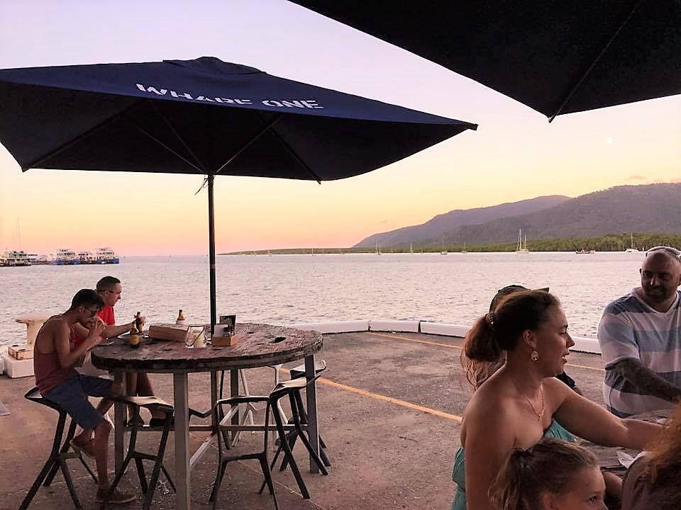 ロケーション抜群! 海沿いのカフェ&レストラン WHARF ONE