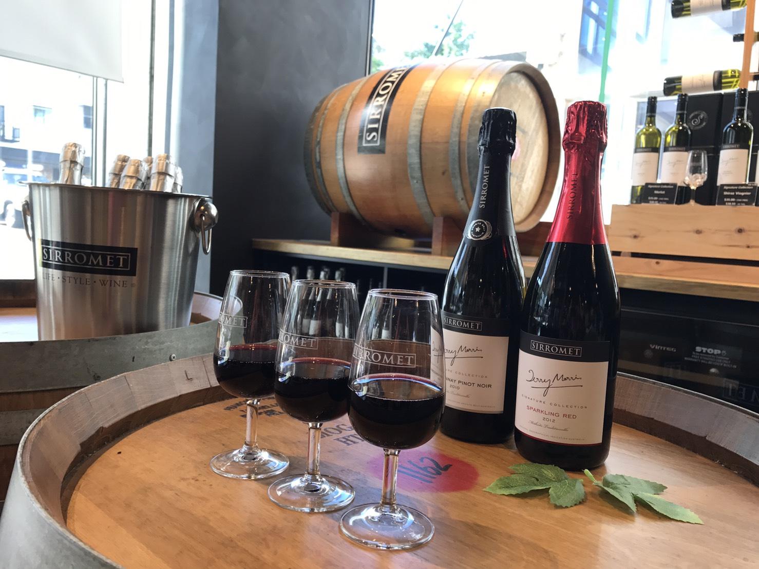 <p>店内にはオーストラリアワインのSirrometが試飲できるスペースを完備。</p>