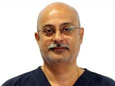 <p>Dr Nirav Vidyarthi(ニラヴ先生)</p>