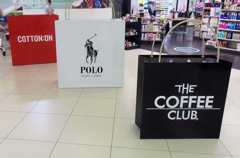 <p>日本でもお馴染みのブランドから</p> <p>オーストラリアでは最大手のファストファッション</p> <p>お洒落なカフェや各種テイクアウトショップの集まるフードコートなど</p> <p>多種多様な店舗が盛りだくさん。</p>